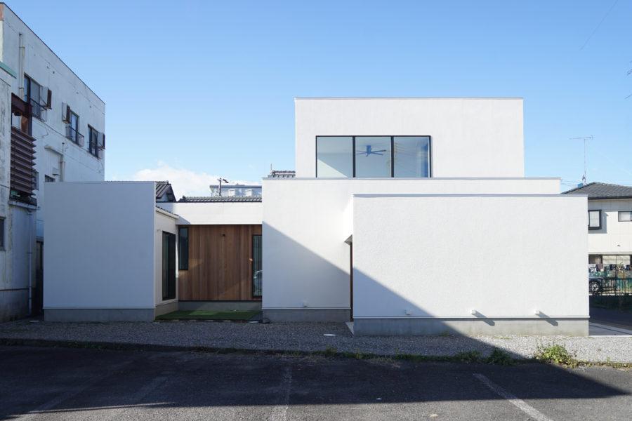 岐阜市施工例|中庭を囲むスタイリッシュハウス